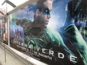 Movie poster for Green Lantern in Lima, Peru