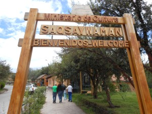 Entrance sign to Suqsaywaman