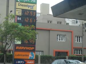Picture of gas station in Lima, Peru