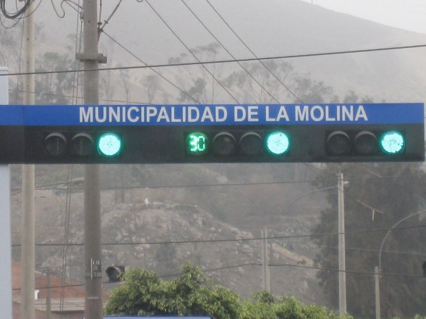Green light countdown timer in Peru