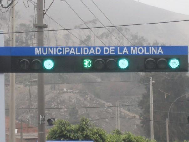 Green light countdown timer in Peru