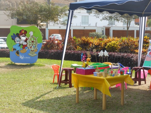 Craft table in park in Lima, Peru