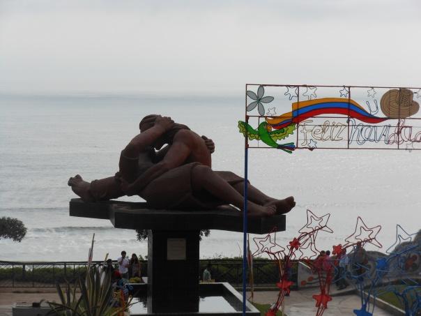 The Kiss - statue in Lima, Peru